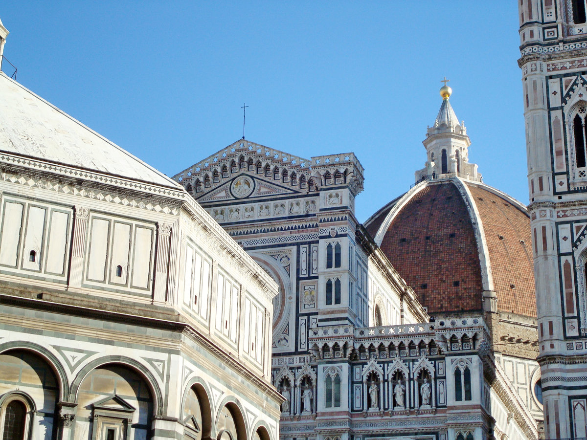 City tours in Florence with a professional guide. Brunelleschi's dome, the statue of David by Michelangelo, the Birth of Venus by Botticelli ...